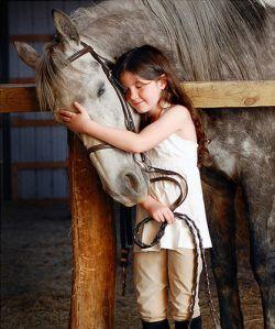 childandhorse-3a557718